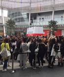 Crowds at H&M in Auckland. Photo/ DougSherring