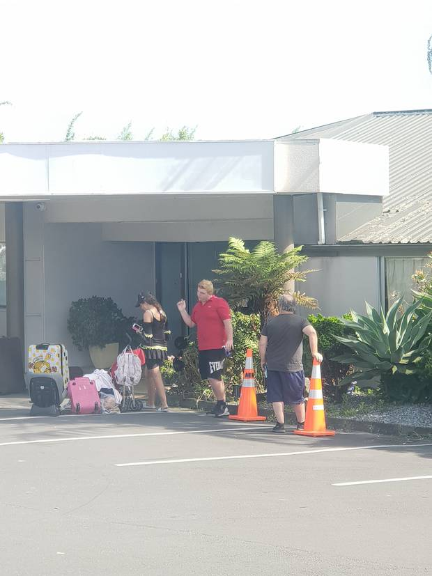 Th family at the Airport Palms Motel in Auckland before their departure back to the United Kingdom. Photo / File