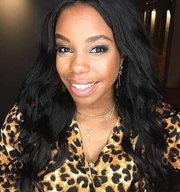 ... London Hughes, 29, said a makeup artist dabbed hot chocolate powder on her face
