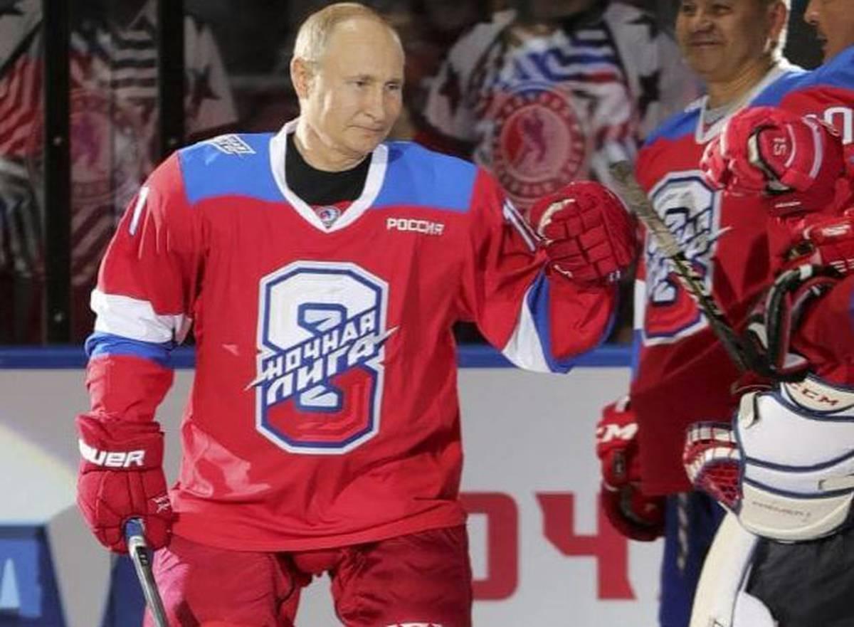 Russian President Vladimir Putin S Embarrassing Ice Hockey Tumble Nz Herald