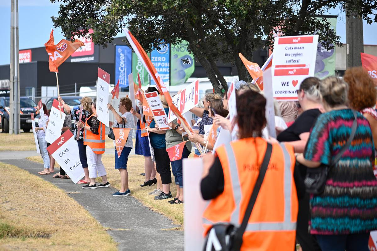 Jobs Losses People Of Tauranga Protest Against Healthcare Nz Proposal Nz Herald