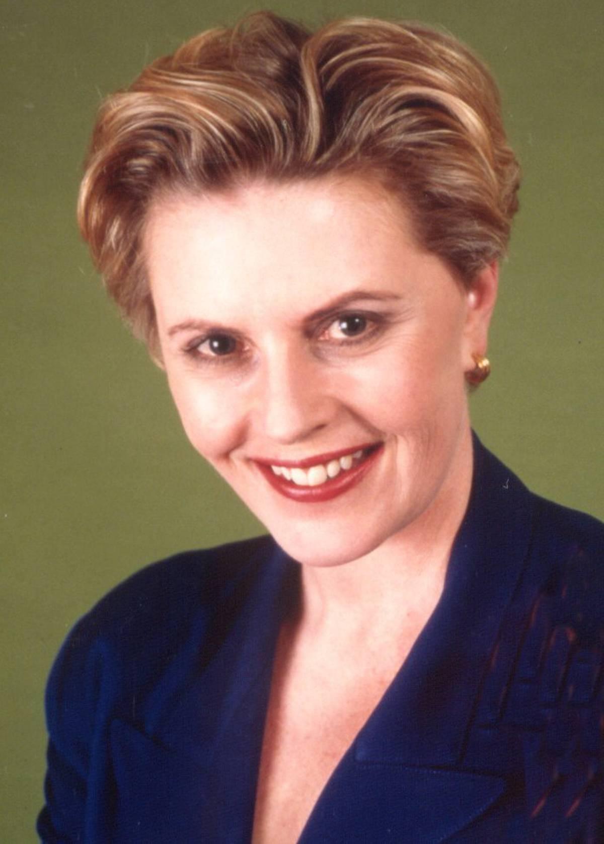 Journalism trailblazer and television presenter Genevieve Westcott dies