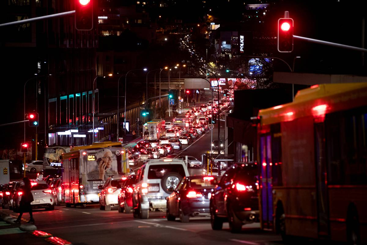 City of Snails: Auckland's CBD at a standstill after Harbour Bridge closes lanes
