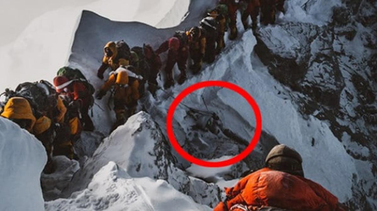 Mount Everest tragedy: Disturbing story behind this photo