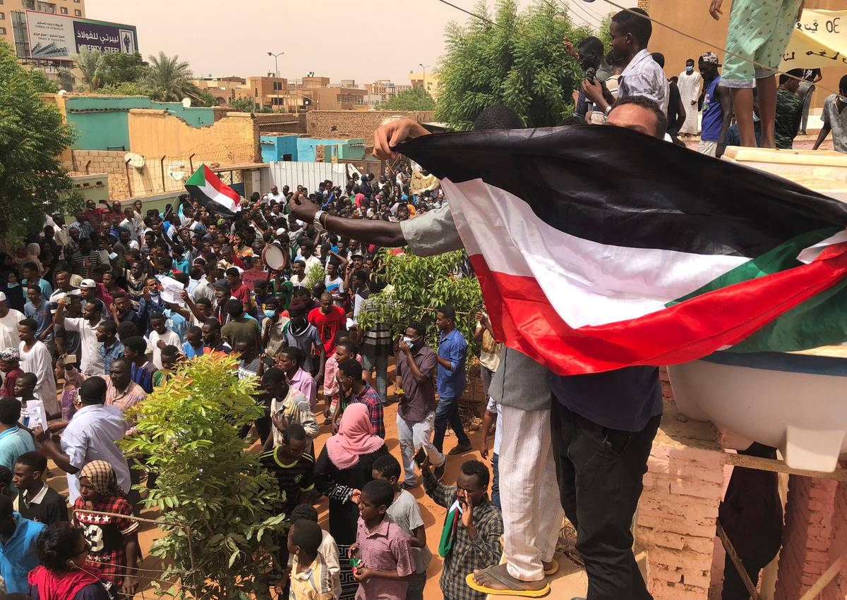 At least seven dead as Sudanese stage protests against army rule
