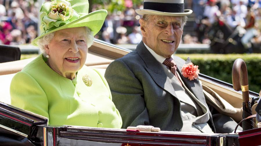 Queen will not stand down for Prince Charles
