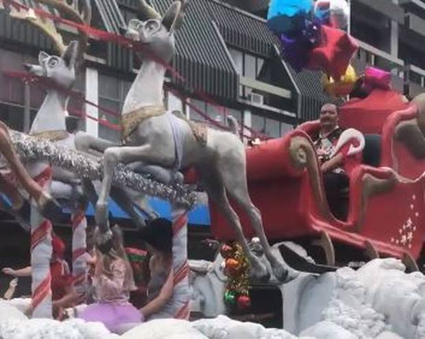 Facebook users defended the parade for using a Māori Santa without the traditional Santa kit. Photo / via Facebook