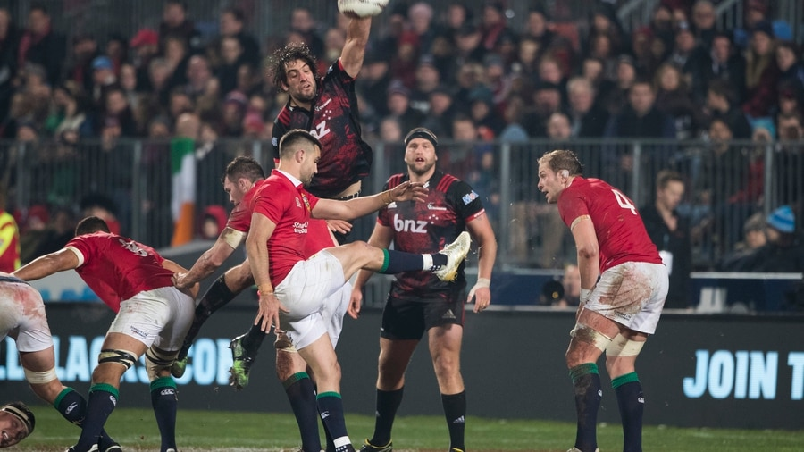 Farrell shows class in Lions' win over Crusaders