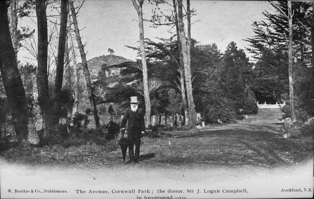 Sir John Logan Campbell with One Tree Hill in the background, early 1900s. Photo / Auckland Weekly News.