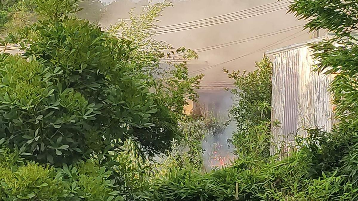 Firefighters battle large house blaze in Beach Haven, Auckland - NZ Herald